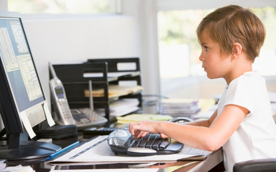 Как защитить своего ребенка от мошенников в онлайн играх