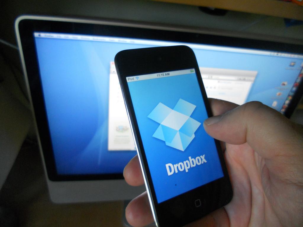 Dropbox – безопасная онлайн-флешка, которая всегда с вами