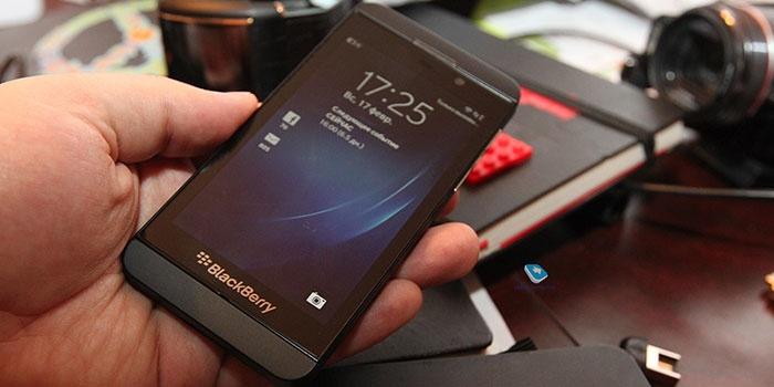 Развод пользователей на чтении СМС и прослушивании мобилки