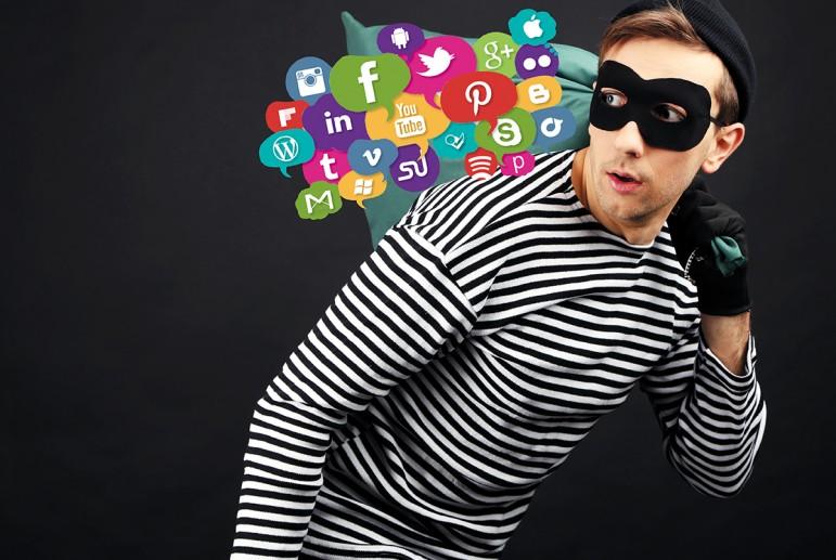 В социальных сетях также бывают аферисты